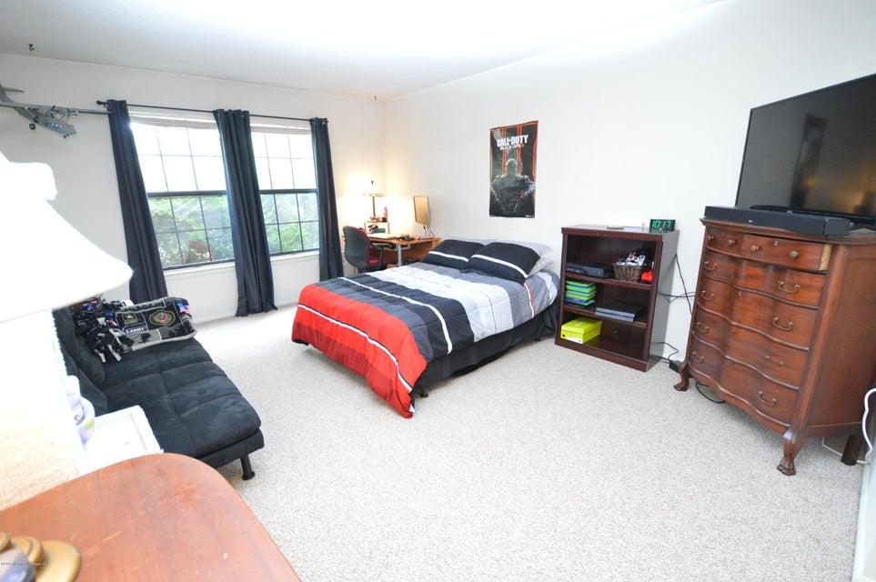 Additional photo for property listing at 408 Owls Nest Court  Jackson, Nueva Jersey 08527 Estados Unidos