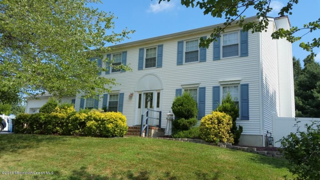 Single Family Home for Sale at 6 Campo Lane Hazlet, New Jersey 07730 United States