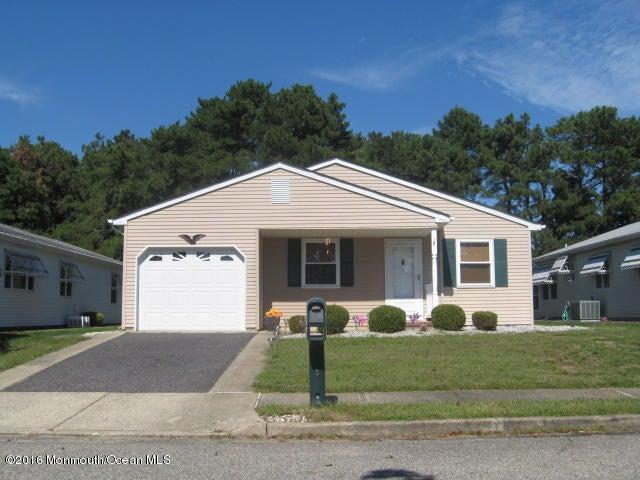 Maison unifamiliale pour l Vente à 23 Pine Valley Drive Toms River, New Jersey 08757 États-Unis