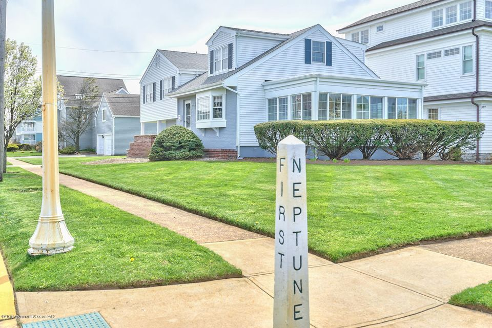 Additional photo for property listing at 100 Neptune Place  Sea Girt, New Jersey 08750 United States
