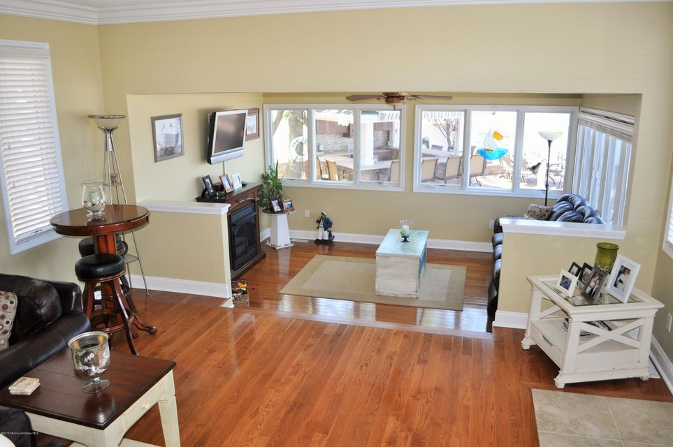 Additional photo for property listing at 21 Shore Crest  Toms River, New Jersey 08753 United States