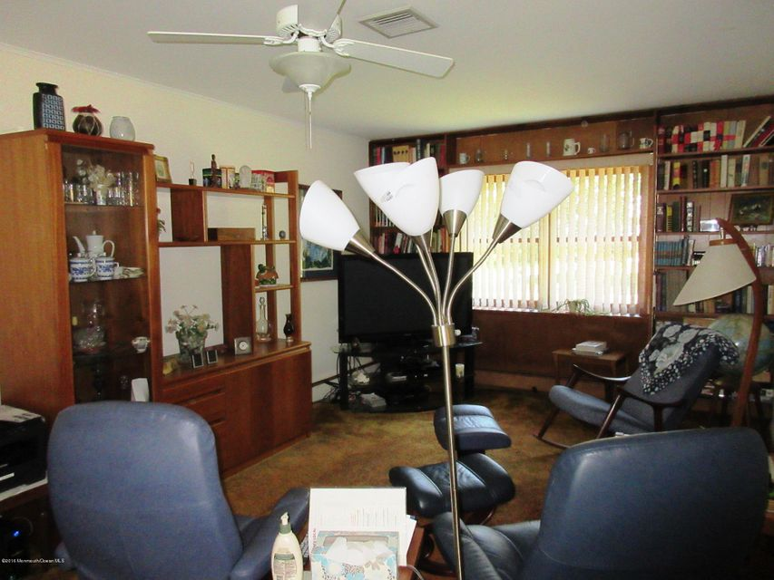 Additional photo for property listing at 105 Heights Terrace  米德尔敦, 新泽西州 07748 美国