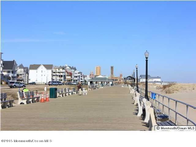 Additional photo for property listing at 44 Webb Avenue  Ocean Grove, New Jersey 07756 États-Unis