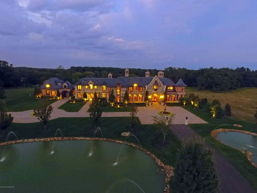Maison unifamiliale pour l Vente à 86 Montrose Road Colts Neck, New Jersey 07722 États-Unis
