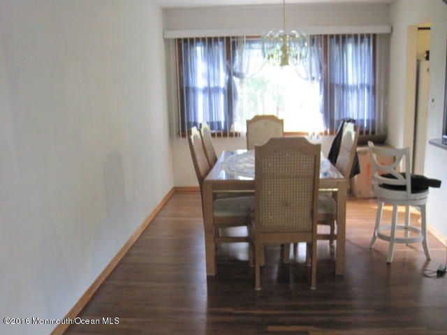 Additional photo for property listing at 3 Birchwood Road  Jamesburg, 新泽西州 08831 美国