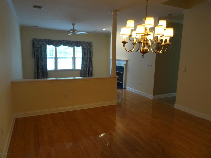 Additional photo for property listing at 2468 Robin Way  Wall, Nueva Jersey 08736 Estados Unidos