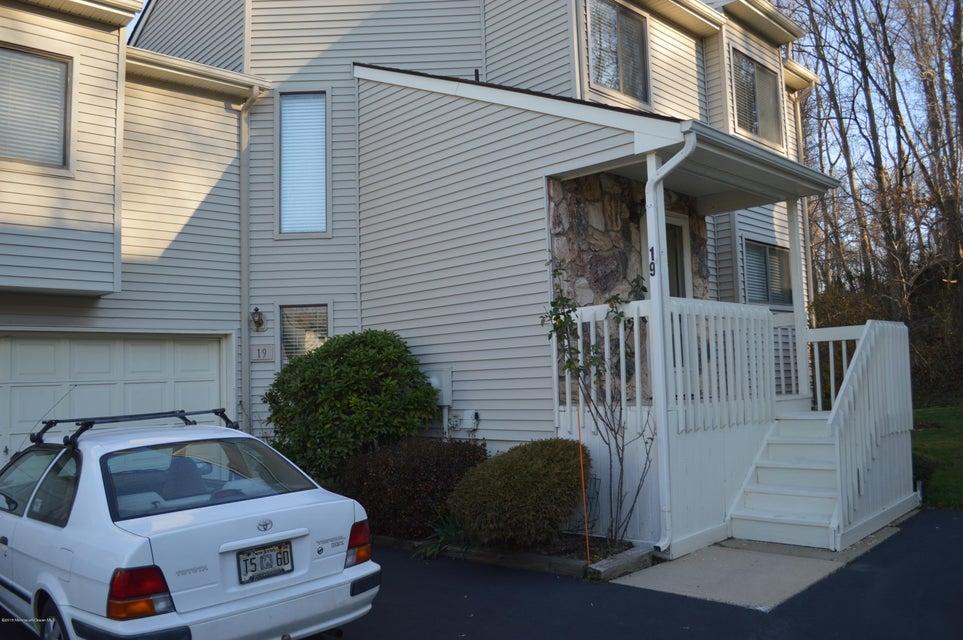 共管式独立产权公寓 为 出租 在 19 Clavendon Court 米德尔敦, 07748 美国