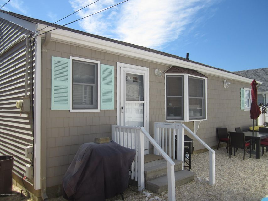 Additional photo for property listing at 114 New Brunswick Avenue  Lavallette, 新泽西州 08735 美国