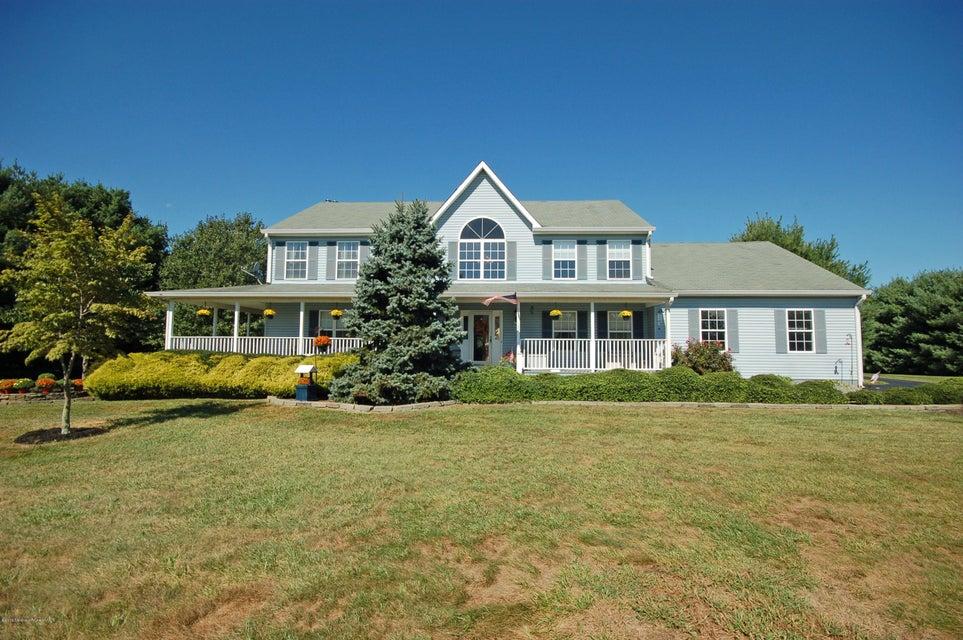 独户住宅 为 销售 在 136 Trenton Lakewood Road Clarksburg, 新泽西州 08510 美国