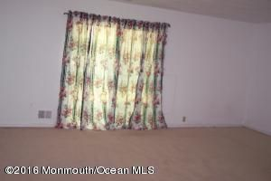 Additional photo for property listing at 5 Swan Road  Howell, Nueva Jersey 07731 Estados Unidos
