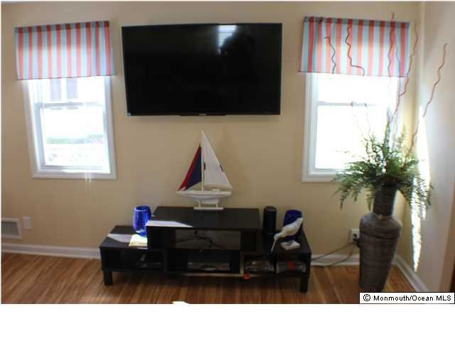 Additional photo for property listing at 109 Kent Avenue  Bradley Beach, New Jersey 07720 United States