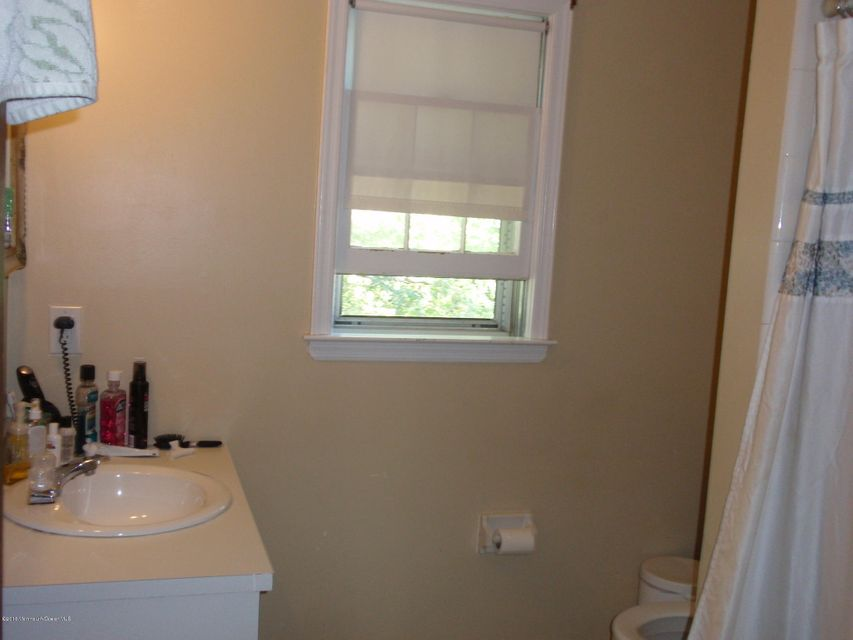 Additional photo for property listing at 5 Windsor Drive  West Long Branch, New Jersey 07764 United States