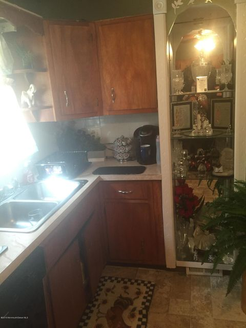 Additional photo for property listing at 1714 Olden Avenue  Neptune, New Jersey 07753 États-Unis