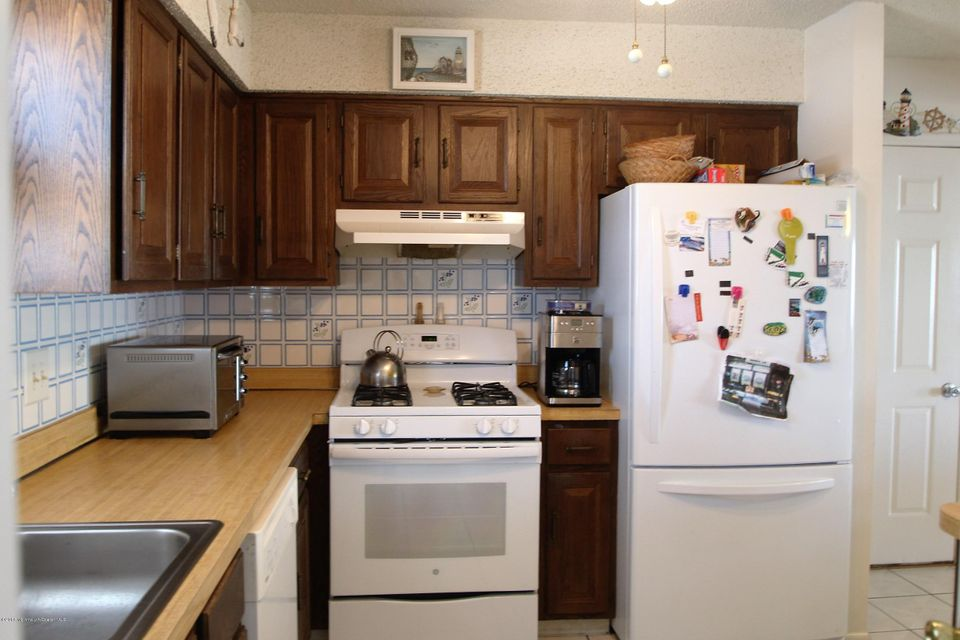 Additional photo for property listing at 396 Bayview Avenue  Bayville, New Jersey 08721 États-Unis
