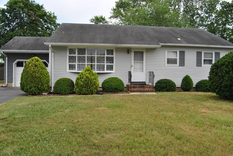 Maison unifamiliale pour l Vente à 3222 Mattapan Avenue Point Pleasant, New Jersey 08742 États-Unis