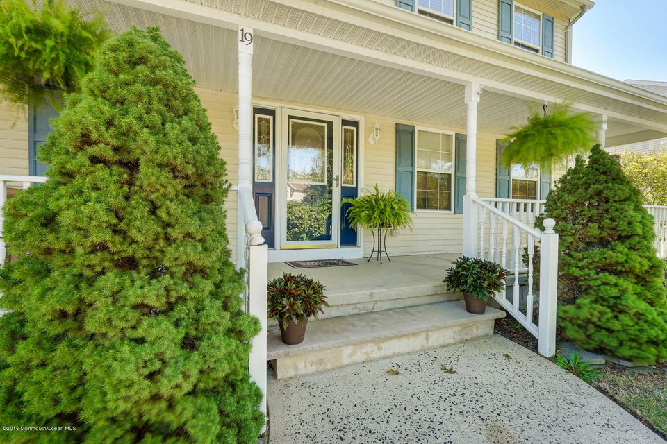 Additional photo for property listing at 19 Ridgemont Drive  Lanoka Harbor, New Jersey 08734 États-Unis