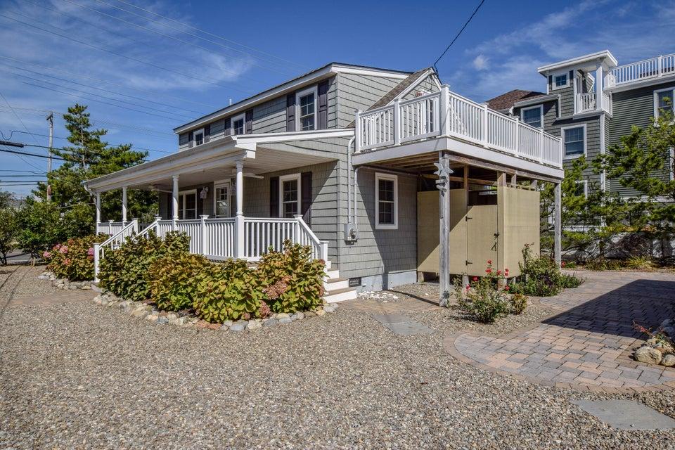 Casa Unifamiliar por un Venta en 1 Gloucester Avenue Harvey Cedars, Nueva Jersey 08008 Estados Unidos