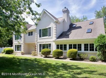Maison unifamiliale pour l Vente à 880 Holmdel Road Holmdel, New Jersey 07733 États-Unis