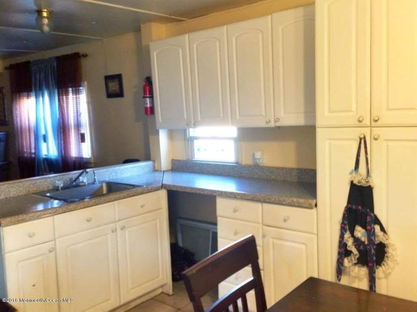 Additional photo for property listing at 26 Dalbert Street  Carteret, New Jersey 07008 États-Unis
