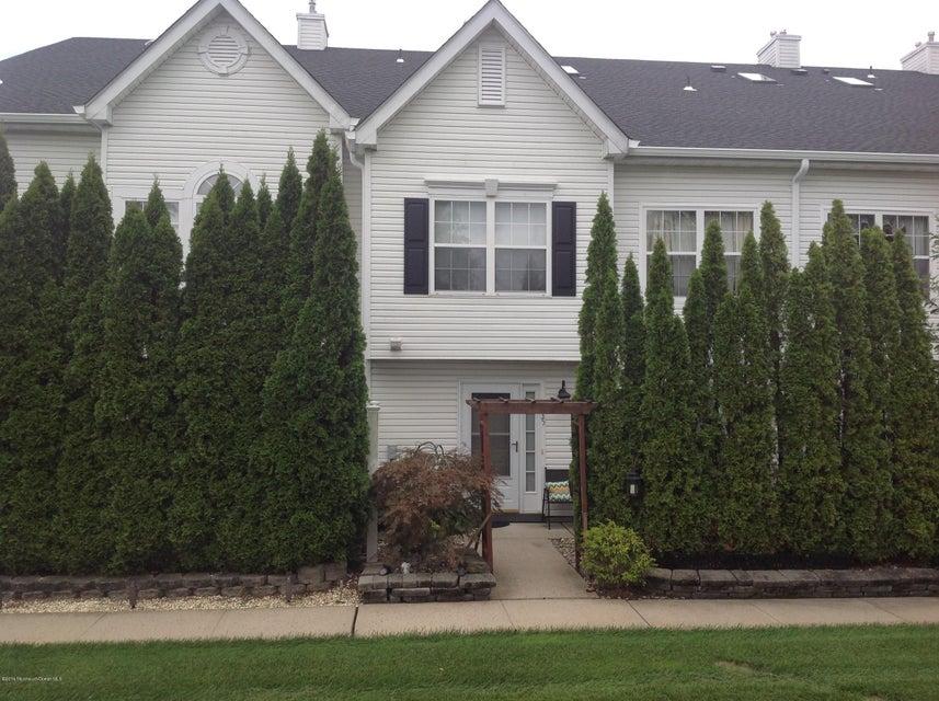 Appartement en copropriété pour l Vente à 35 Madison Court Tinton Falls, New Jersey 07712 États-Unis