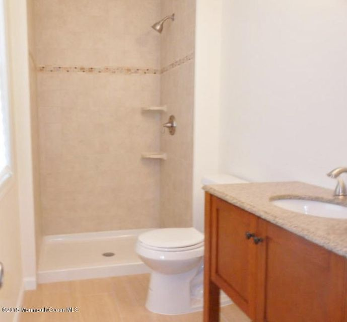 Additional photo for property listing at 276 Lake Shore Drive  Brick, New Jersey 08723 États-Unis