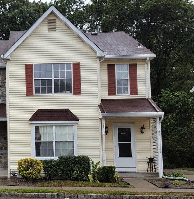 Appartement en copropriété pour l Vente à 391 Rose Court Lakewood, New Jersey 08701 États-Unis