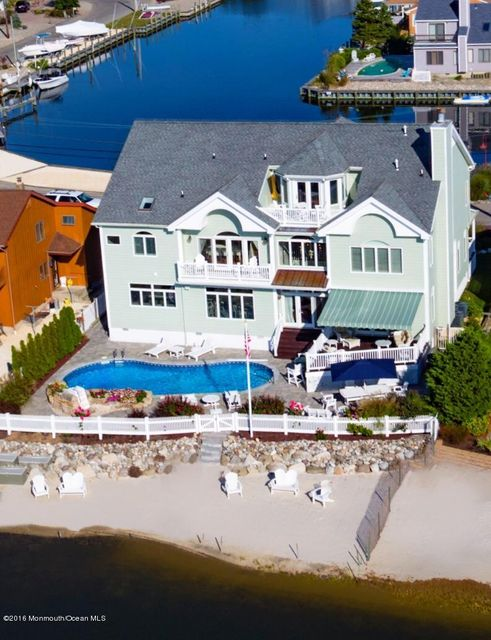 Single Family Home for Sale at 217 Cedar Island Drive Brick, 08723 United States