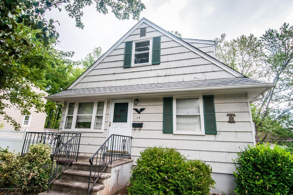 独户住宅 为 销售 在 12 Linsley Place Metuchen, 新泽西州 08840 美国