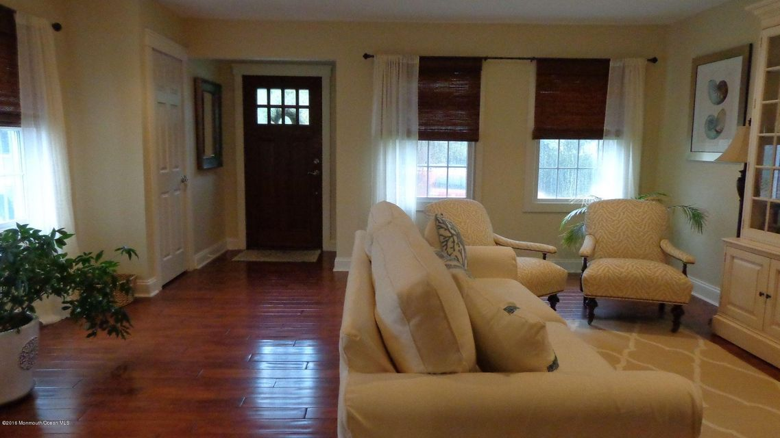 Additional photo for property listing at 525 Longstreet Avenue  Brielle, Nueva Jersey 08730 Estados Unidos
