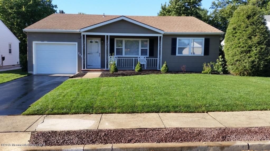 独户住宅 为 销售 在 242 Westbrooke Drive 汤姆斯河, 新泽西州 08757 美国