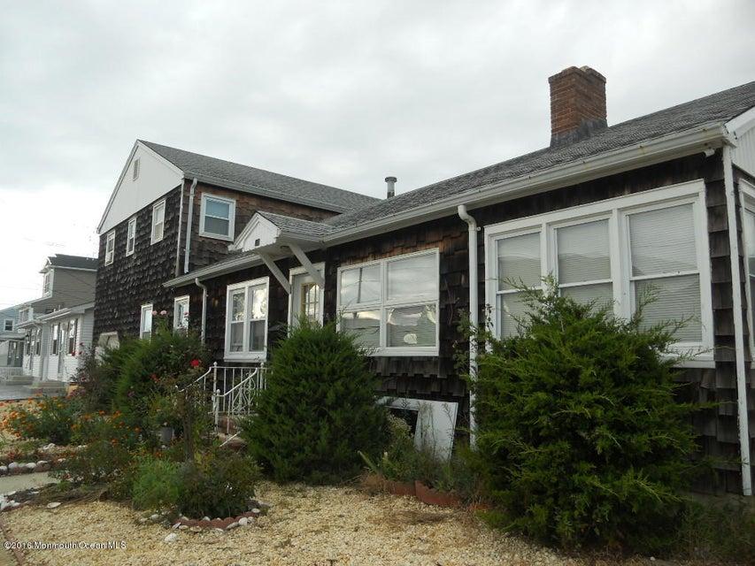 Casa Multifamiliar por un Venta en 200 Hiering Avenue Seaside Heights, Nueva Jersey 08751 Estados Unidos