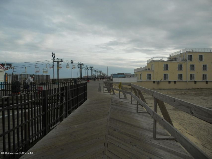 Additional photo for property listing at 200 Hiering Avenue  Seaside Heights, Nueva Jersey 08751 Estados Unidos