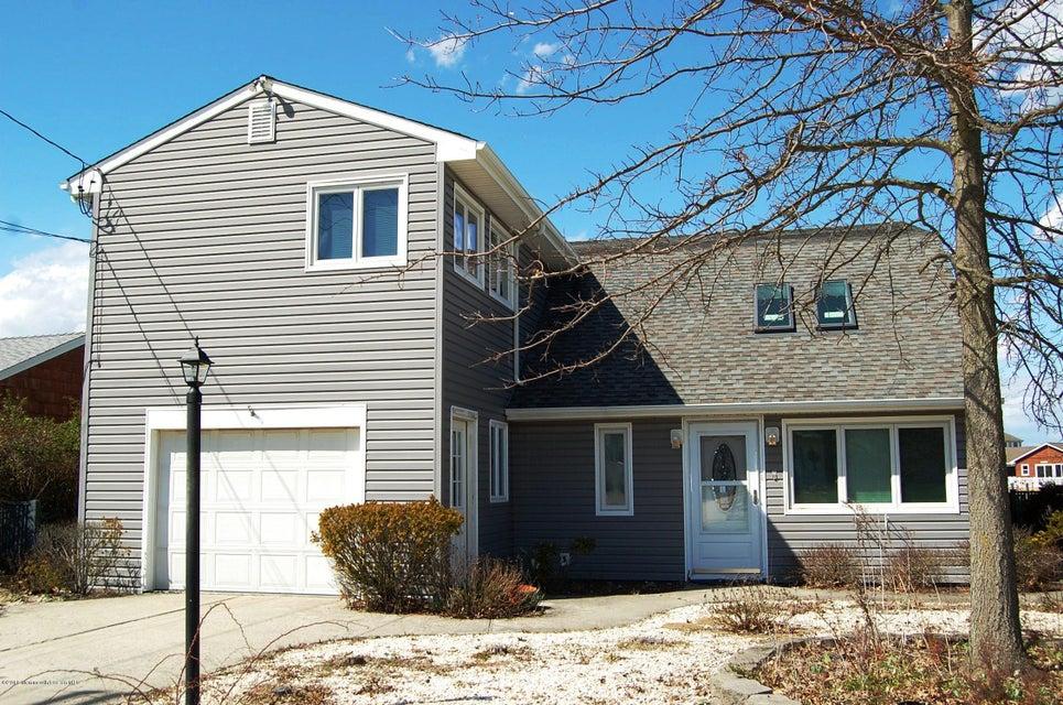 Single Family Home for Sale at 1076 Laurel Boulevard Lanoka Harbor, New Jersey 08734 United States