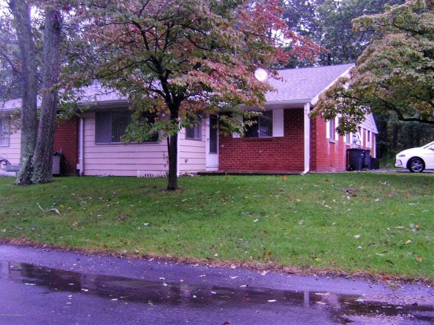 独户住宅 为 销售 在 14 Cardinal 曼彻斯特, 新泽西州 08759 美国