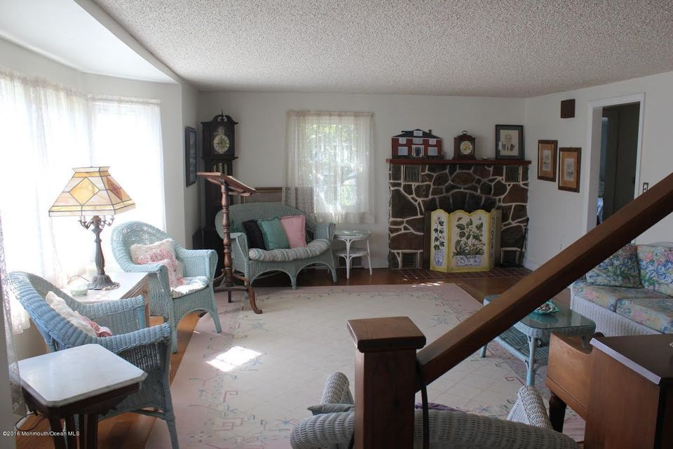 Additional photo for property listing at 1300 Ocean Avenue  Mantoloking, New Jersey 08738 États-Unis