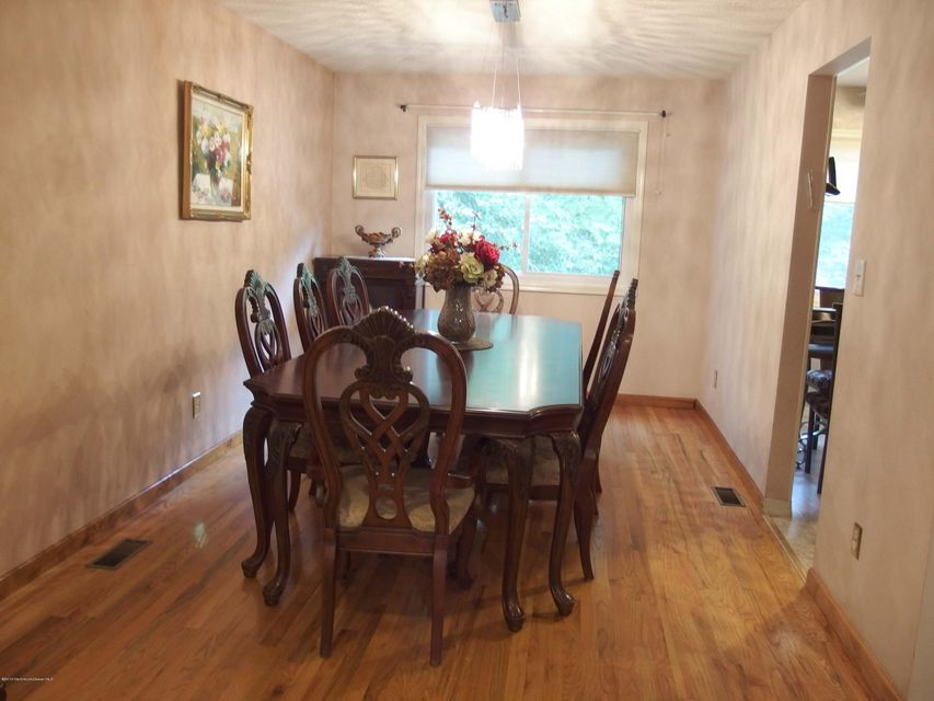 Additional photo for property listing at 18 Lone Star Lane  Manalapan, New Jersey 07726 United States