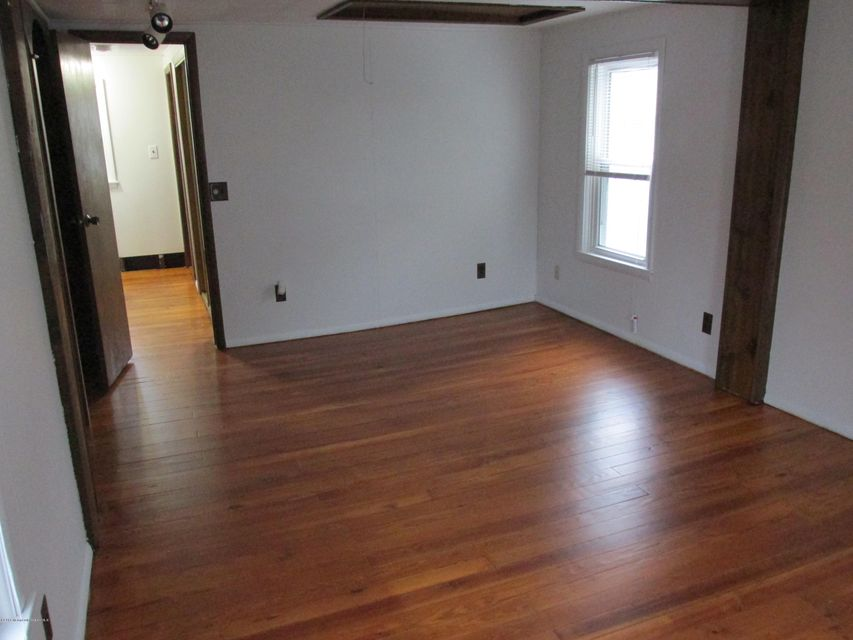 Additional photo for property listing at 80 Neptune Avenue  Neptune City, New Jersey 07753 États-Unis