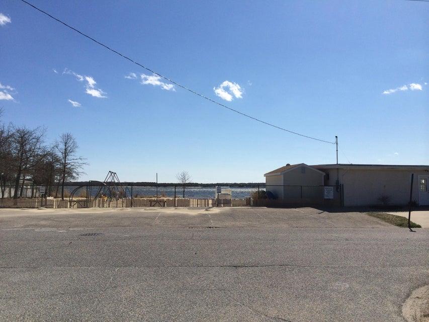 Additional photo for property listing at 203 Walnut Creek Lane  汤姆斯河, 新泽西州 08753 美国