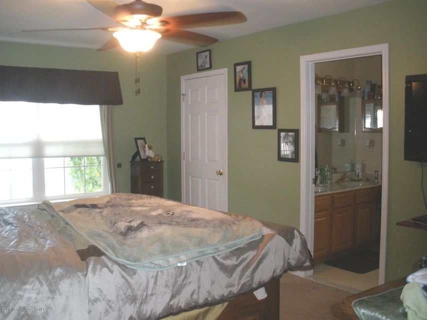 Additional photo for property listing at 37 Old Main Shore Road  Barnegat, New Jersey 08005 United States