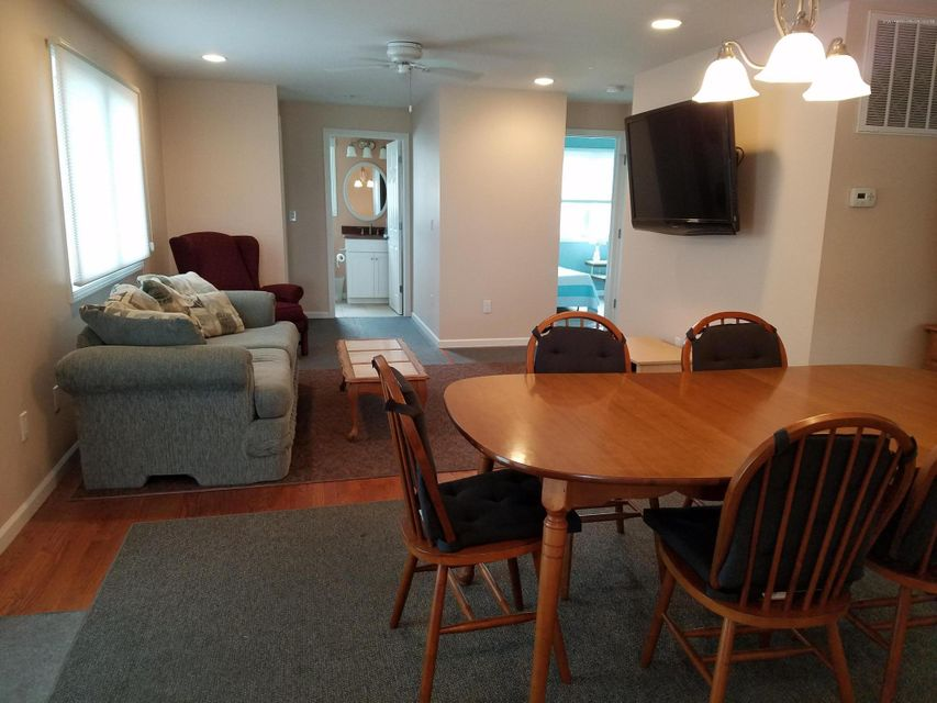 Additional photo for property listing at 99 6th Avenue  Belmar, New Jersey 07719 États-Unis