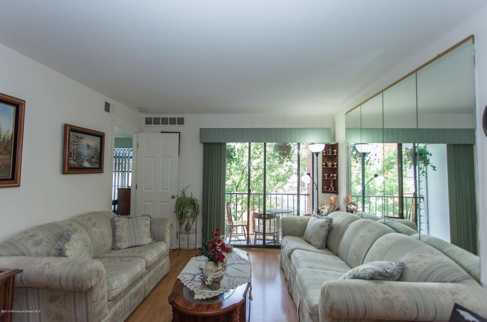 Additional photo for property listing at 94 Keystone Court  Edison, Nueva Jersey 08817 Estados Unidos
