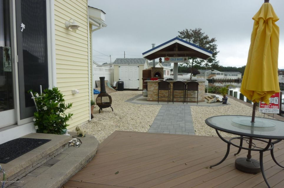 Additional photo for property listing at 105 Beverly Lane  Beach Haven West, Nueva Jersey 08050 Estados Unidos