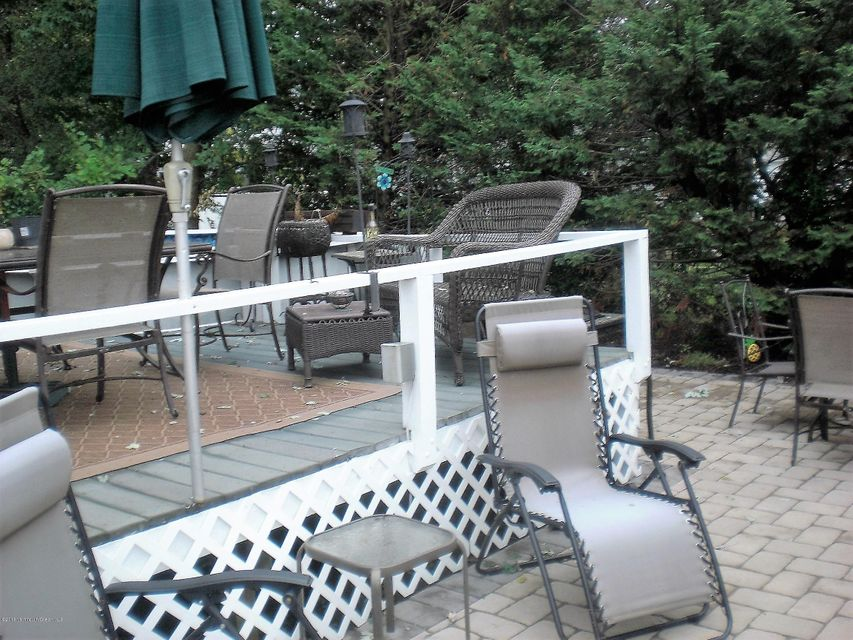Additional photo for property listing at 626 Clark Avenue  Union Beach, New Jersey 07735 États-Unis