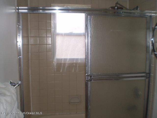 Additional photo for property listing at 5a Juniper Lane  Eatontown, Nueva Jersey 07724 Estados Unidos