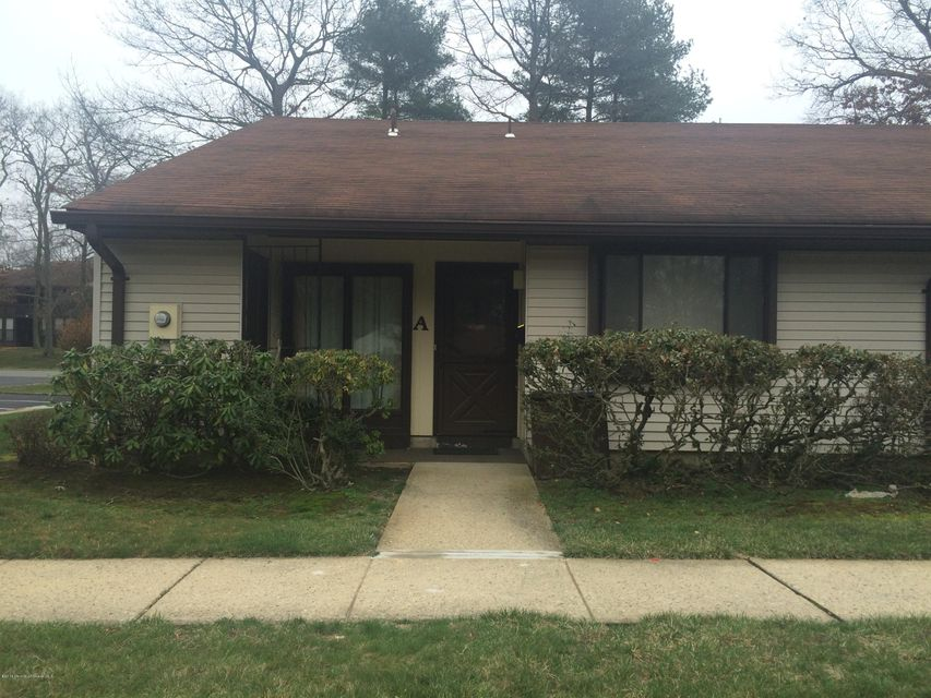Single Family Home for Sale at 80 Overlook Way Manalapan, New Jersey 07726 United States