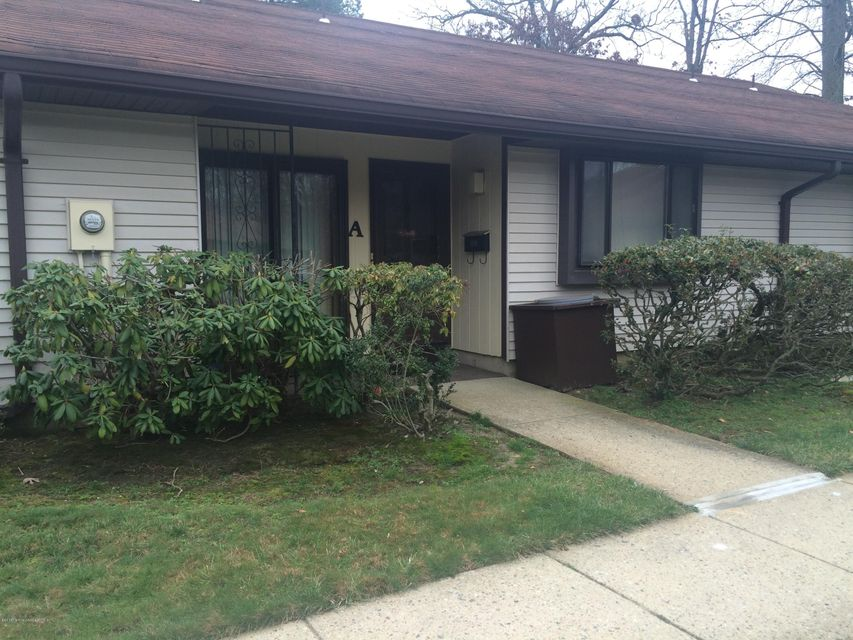 Additional photo for property listing at 80 Overlook Way  Manalapan, New Jersey 07726 United States