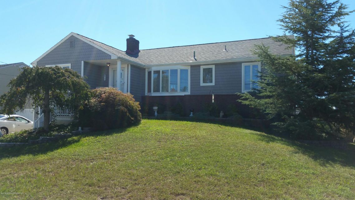 Single Family Home for Sale at 17 Kingston Avenue Toms River, New Jersey 08753 United States