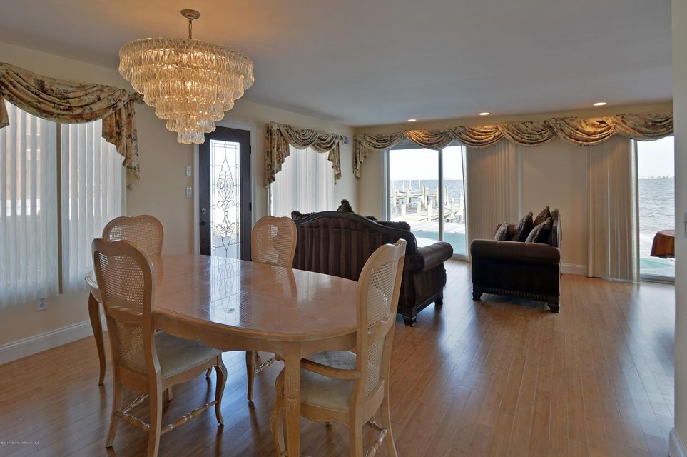 Additional photo for property listing at 595 Bayview Drive  Toms River, New Jersey 08753 United States