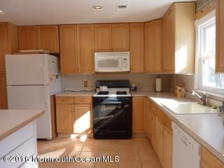 Additional photo for property listing at 308 Lincoln Avenue  Oakhurst, Nueva Jersey 07755 Estados Unidos