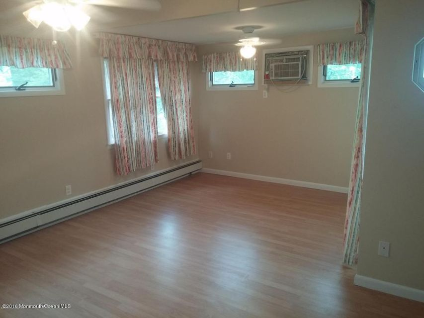 Additional photo for property listing at 106 Harding Avenue  Toms River, New Jersey 08753 États-Unis